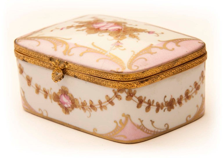 Marie Antionette Style Limoge Box For Sale 5