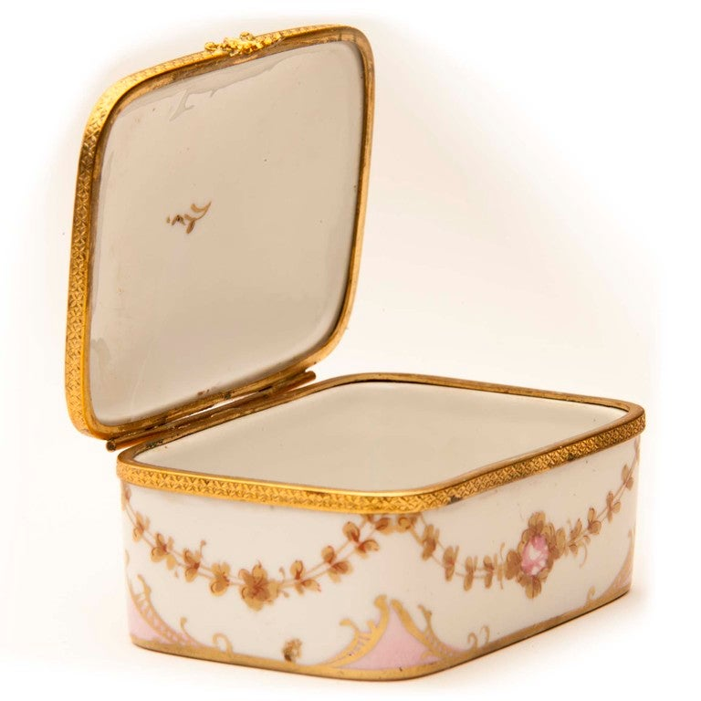 Marie Antionette Style Limoge Box For Sale 3
