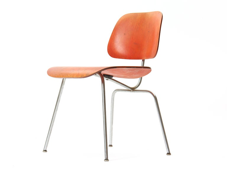 Mid-Century Modern Ash Aniline Red DCM by Eames For Sale