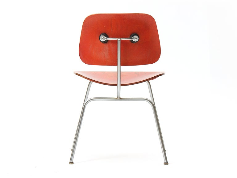 Mid-20th Century Ash Aniline Red DCM by Eames For Sale