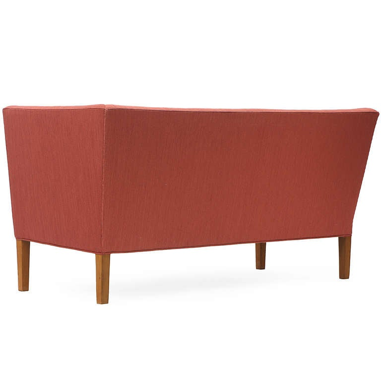 Settee by Grete Jalk In Good Condition For Sale In New York, NY