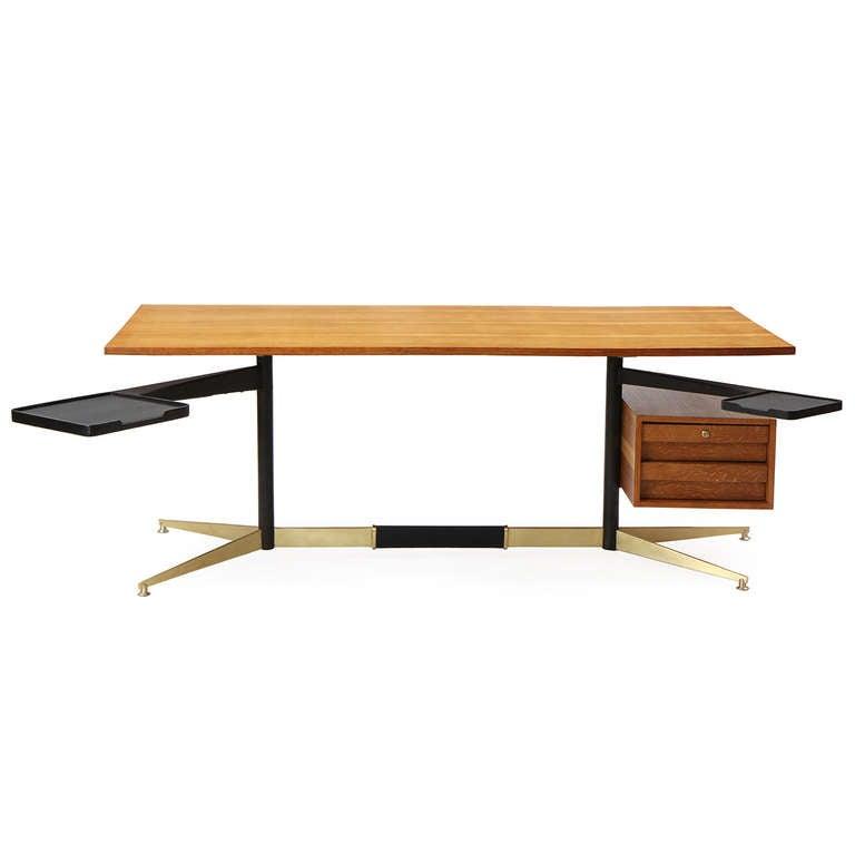 Mid-Century Modern Tiger Oak Desk by Gio Ponti For Sale