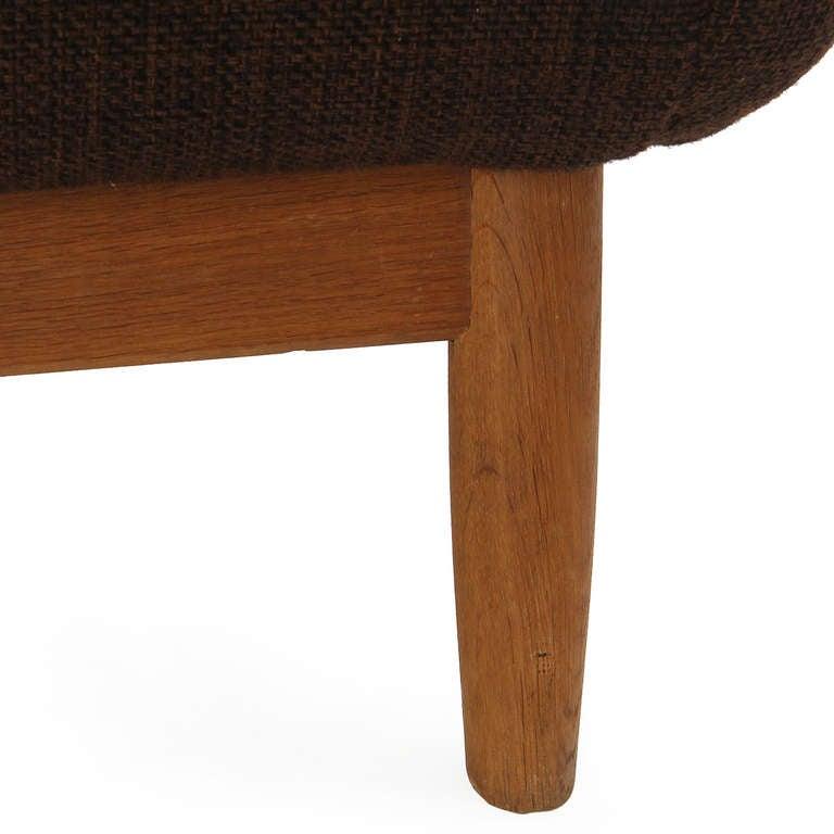 Skulpturales Sofa von Finn Juhl 7