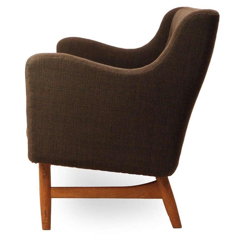 Skulpturales Sofa von Finn Juhl 3