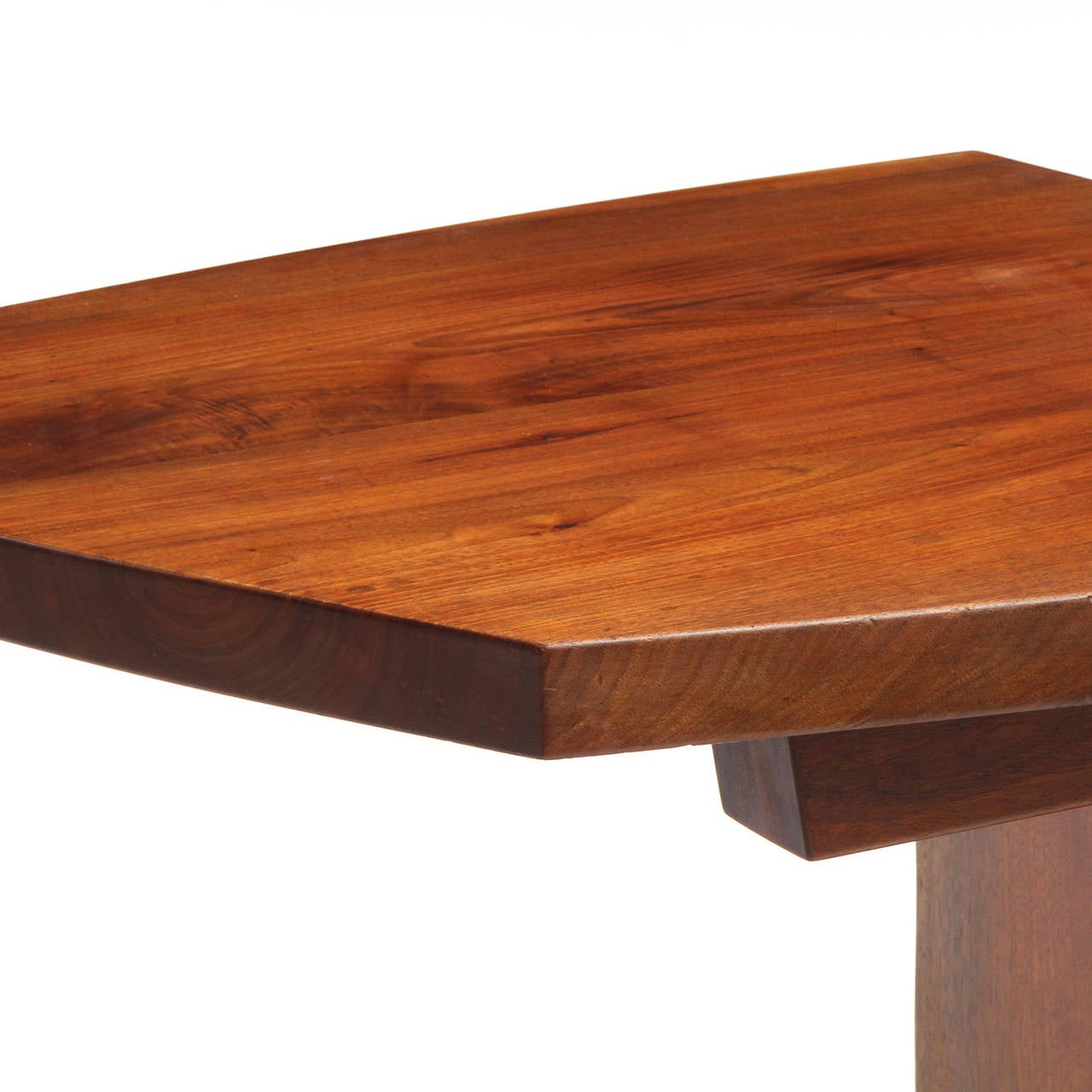 Unique Accent Table: Unique End Table By George Nakashima At 1stdibs