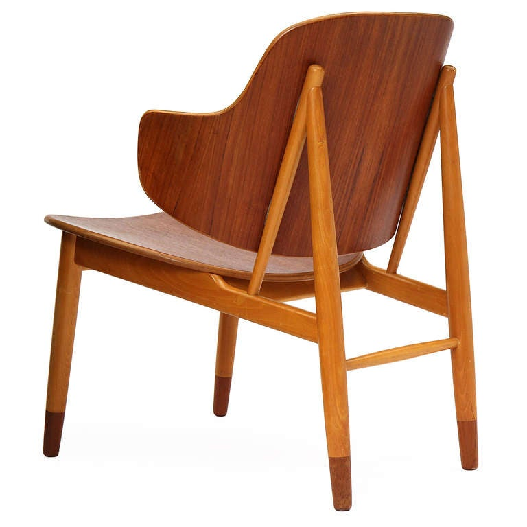 Lounge Chair by Ib Kofod-Larsen In Good Condition For Sale In New York, NY