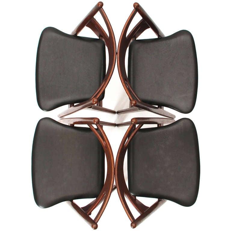 Sawbuck Chairs by Hans J. Wegner 7