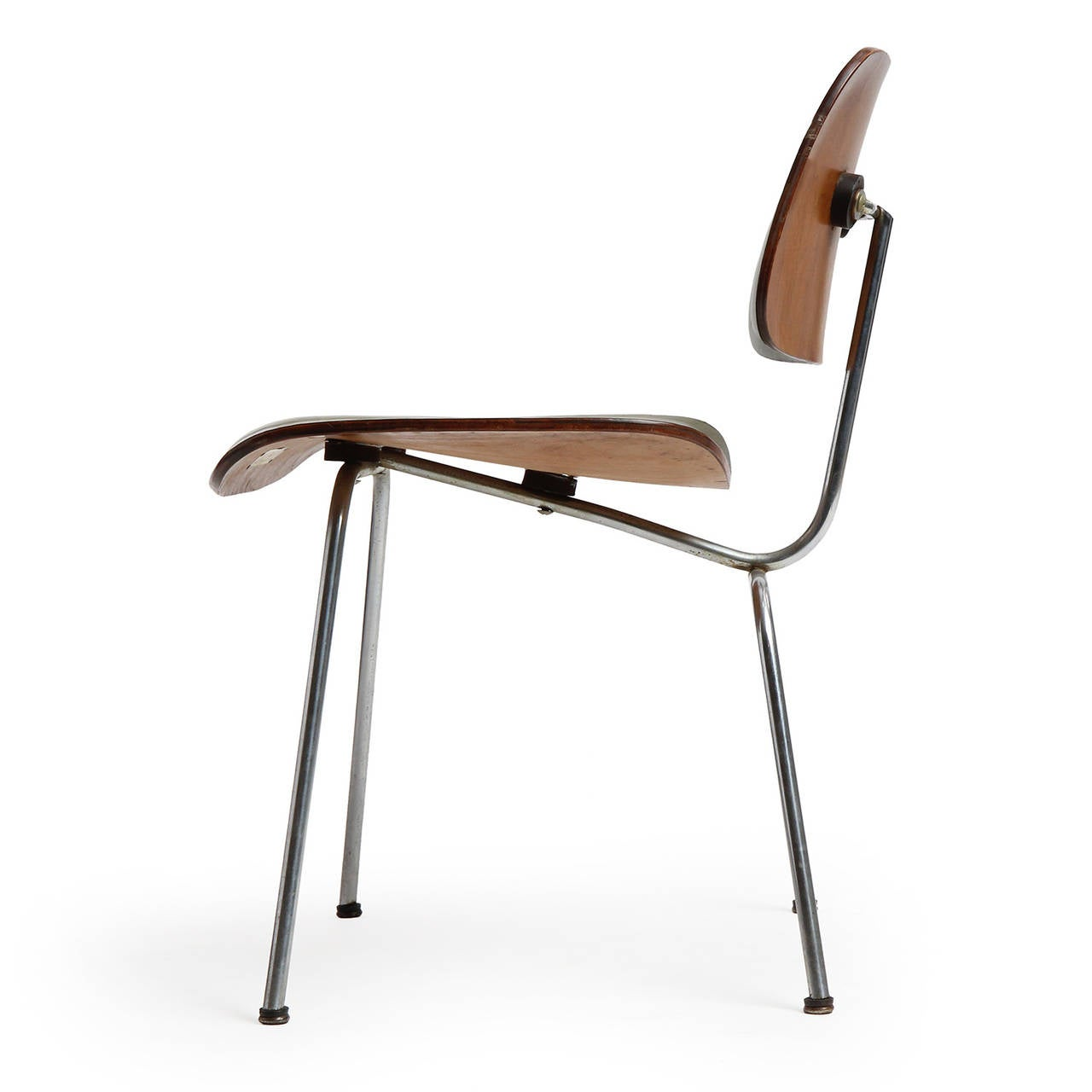 Leather dcm chair by charles and ray eames at 1stdibs for Leather eames dining chair