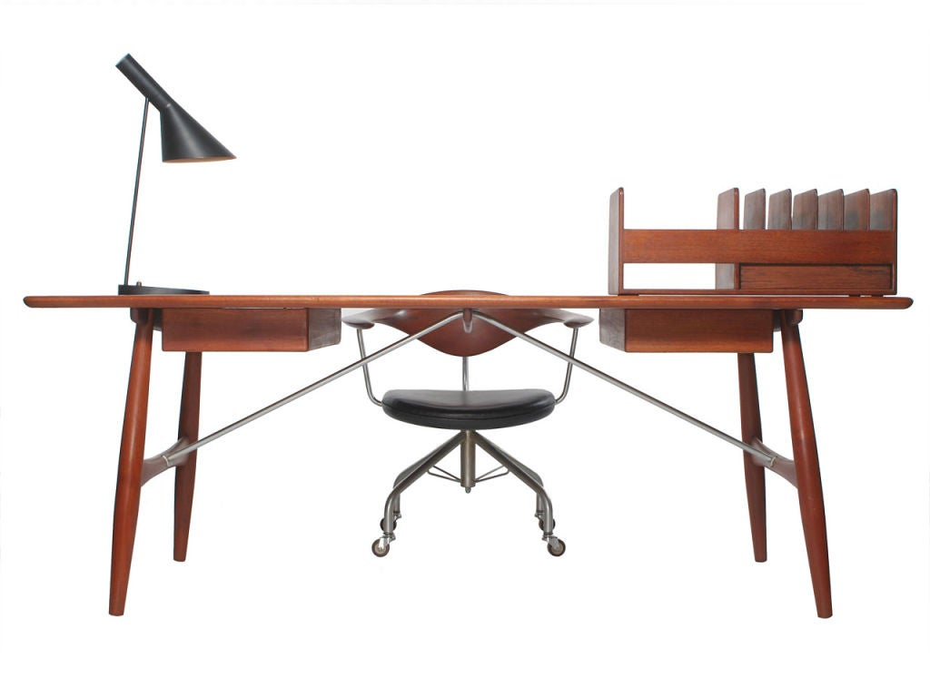 the architect 39 s desk by hans wegner at 1stdibs. Black Bedroom Furniture Sets. Home Design Ideas