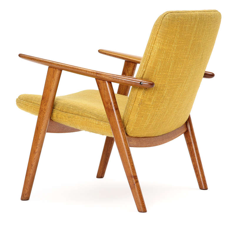 Oak Reading Chair by Hans J. Wegner For Sale 2