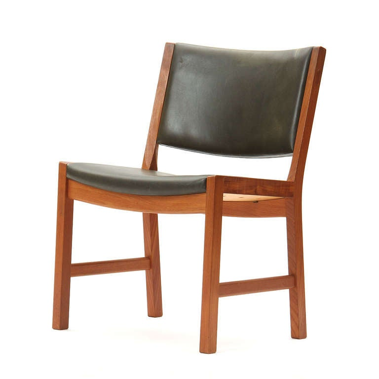 Scandinavian Modern Set of Four Teak Dining Chairs by Hans Wegner For Sale