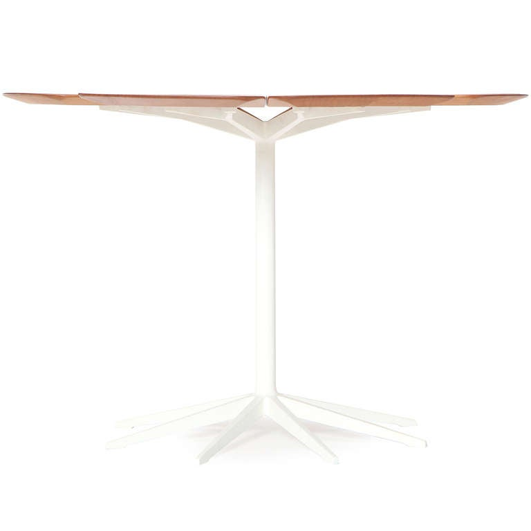 Mid-Century Modern 'Petal' Dining Table by Richard Schultz for Knoll For Sale