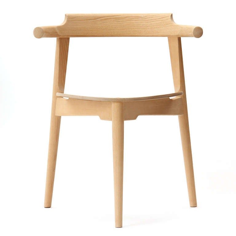 Stackable Three-Legged Chair by Hans J. Wegner 2