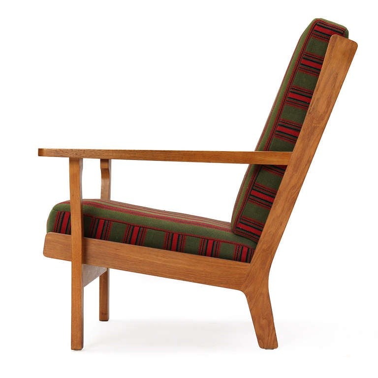 Wide-Arm Easy Chair by Hans Wegner 5