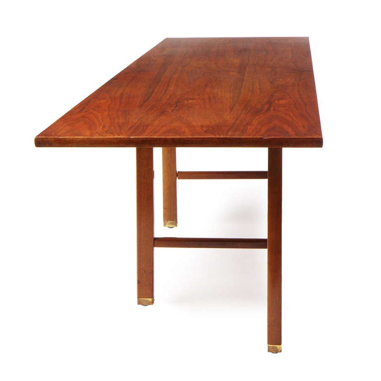 Asymmetrical Coffee Table by Edward Wormley In Good Condition For Sale In New York, NY