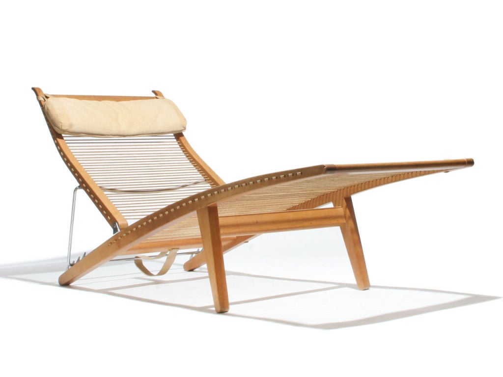 oak and flagline chaise by hans wegner for sale at 1stdibs. Black Bedroom Furniture Sets. Home Design Ideas