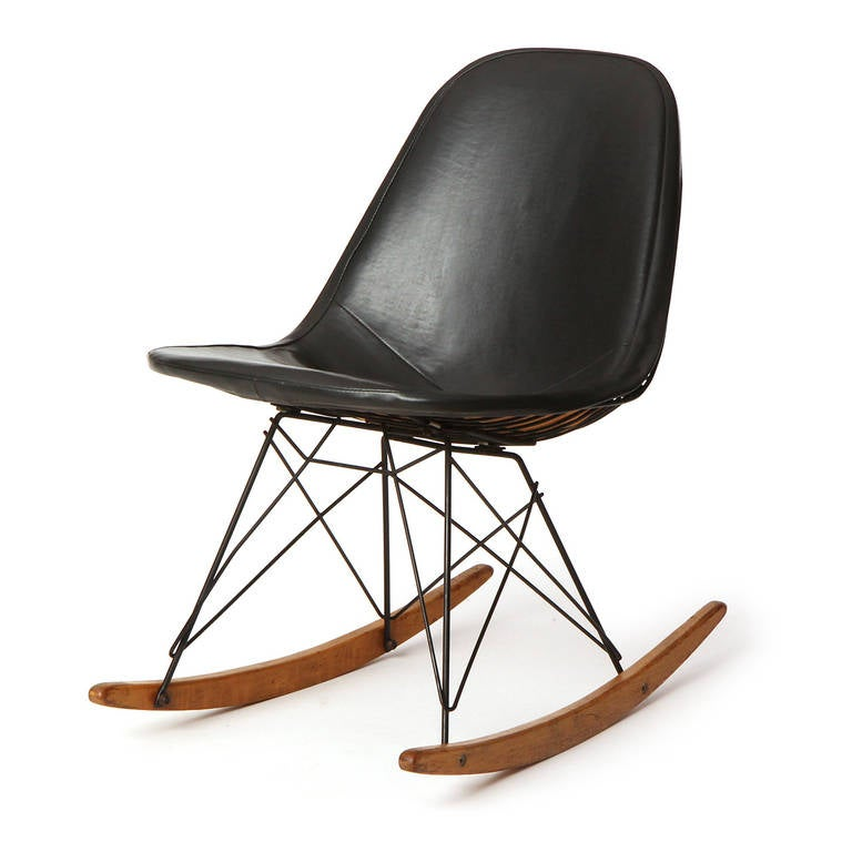 rkr 1 rocking chair by charles eames at 1stdibs. Black Bedroom Furniture Sets. Home Design Ideas