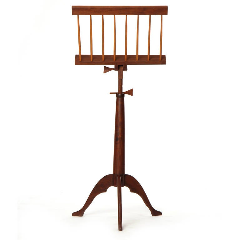 Hand-Crafted Walnut Music Stand In Good Condition For Sale In New York, NY