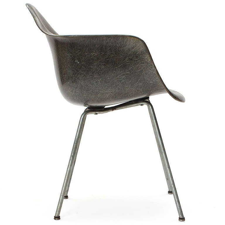 Mid-Century Modern DAX Armchair by Charles & Ray Eames For Sale