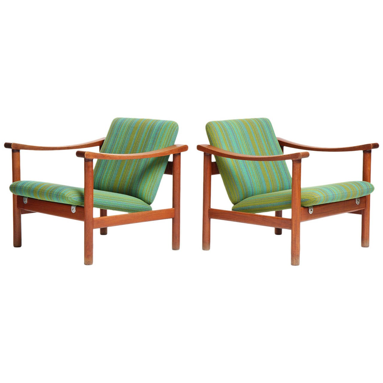 Pair of Lounge Chair by Hans J. Wegner