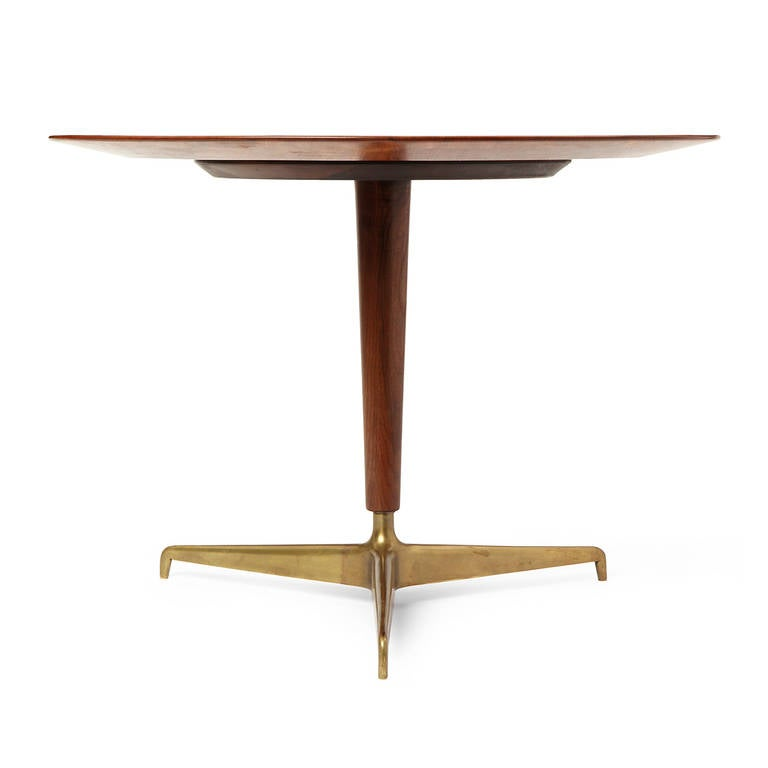 Center table with bronze tripod base attributed to fontana for Cuir center table basse