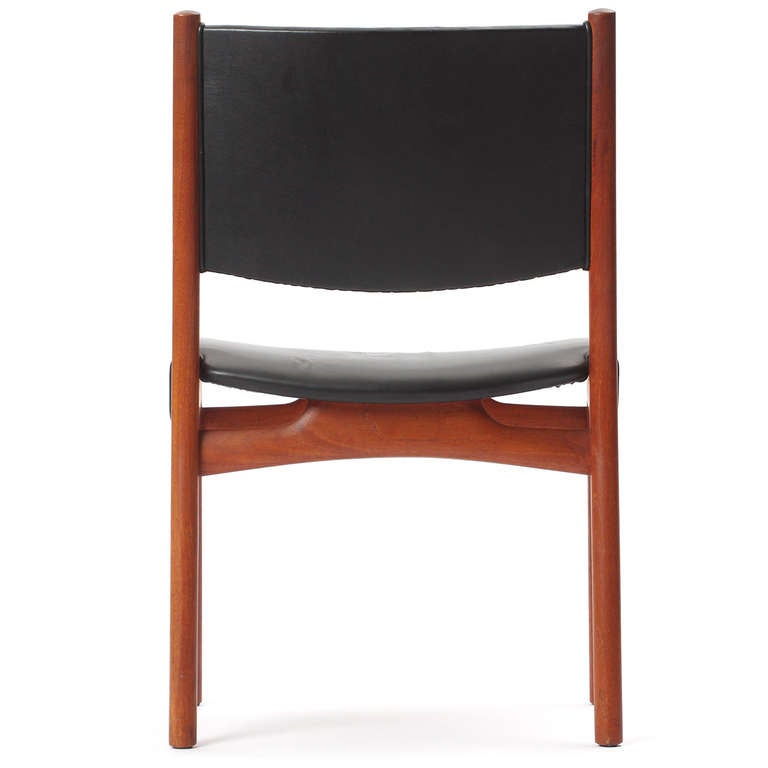 Side Chair by Hans J. Wegner In Good Condition For Sale In New York, NY