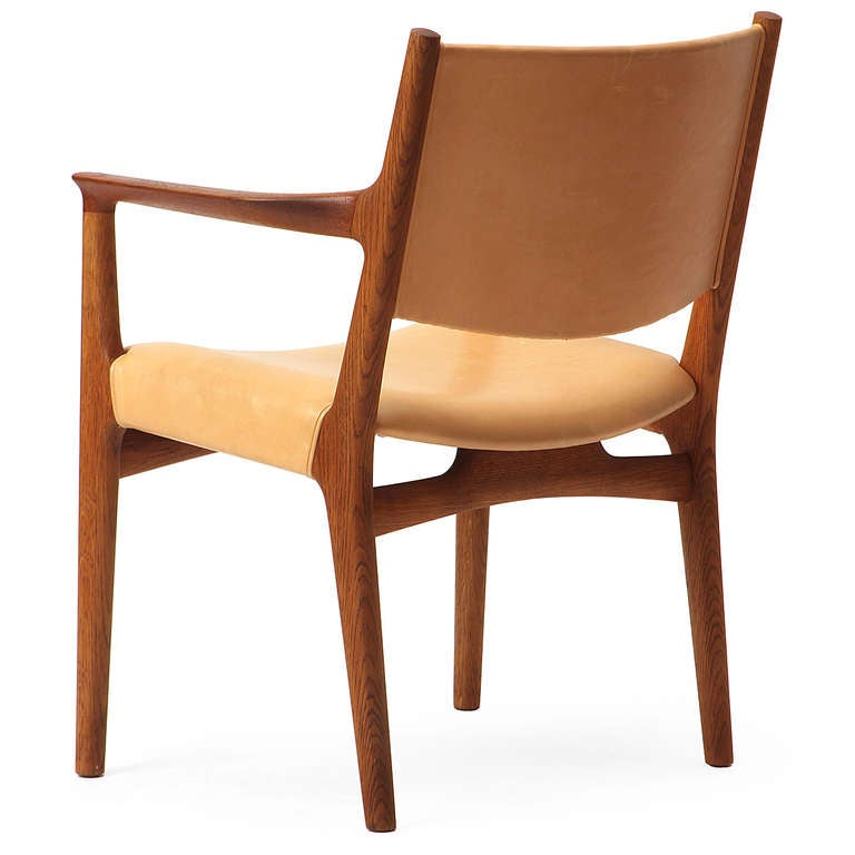 Leather Pair of Armchairs by Hans Wegner For Sale