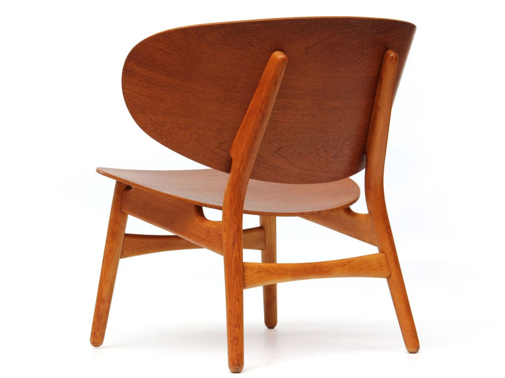 The Shell Chair by Hans J. Wegner In Good Condition In Sagaponack, NY