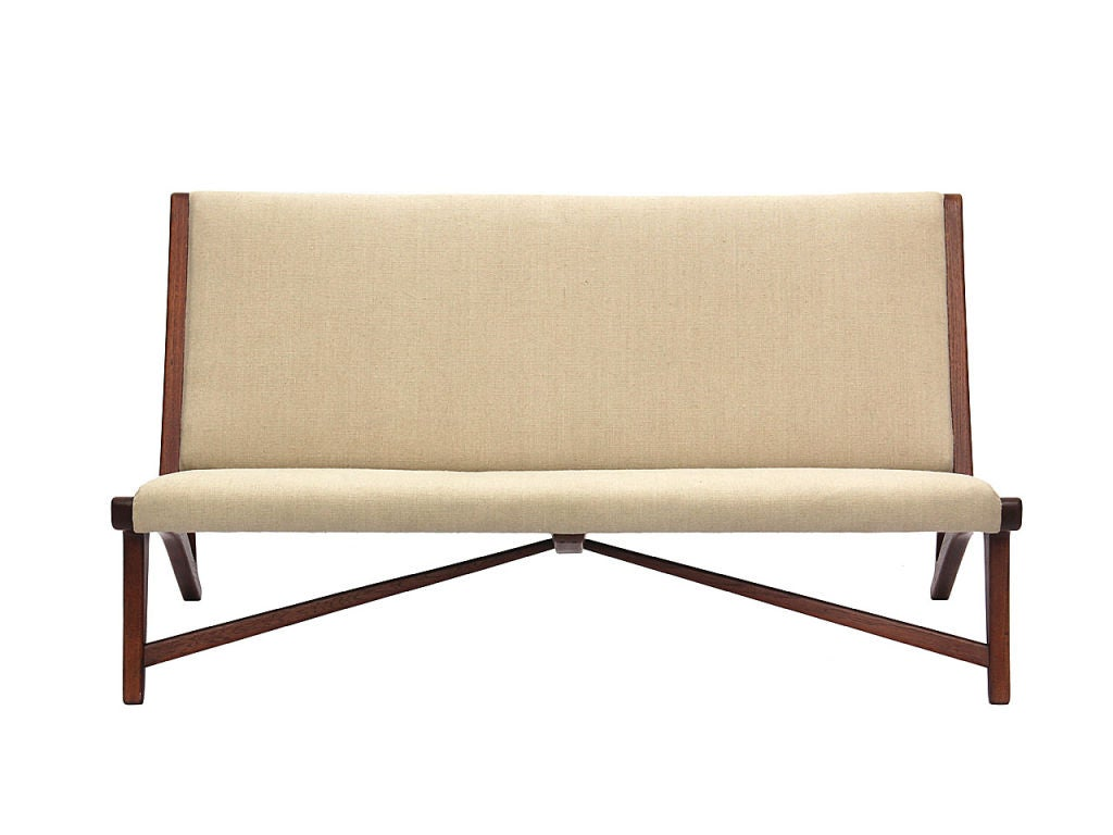 teak and linen settee by Hans Wegner image 2
