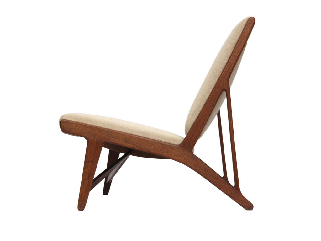 teak and linen settee by Hans Wegner image 4