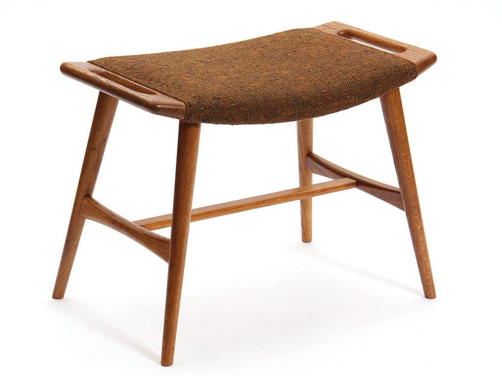 the music bench by hans wegner at 1stdibs. Black Bedroom Furniture Sets. Home Design Ideas