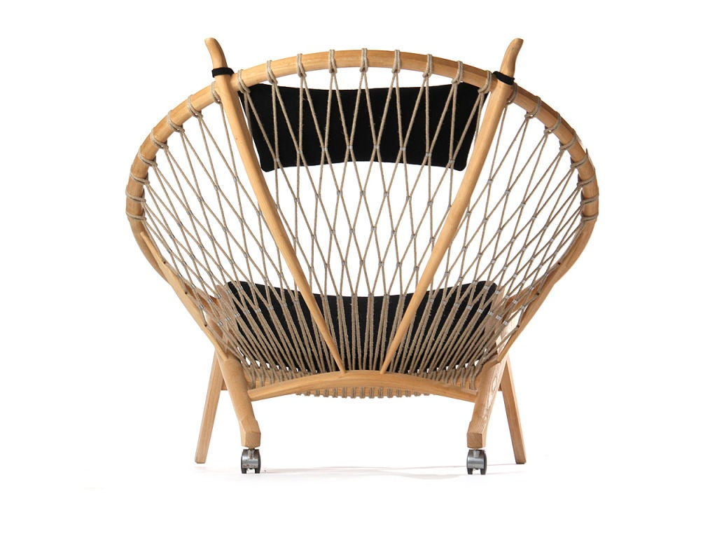 the Circle Chair by Hans Wegner 1