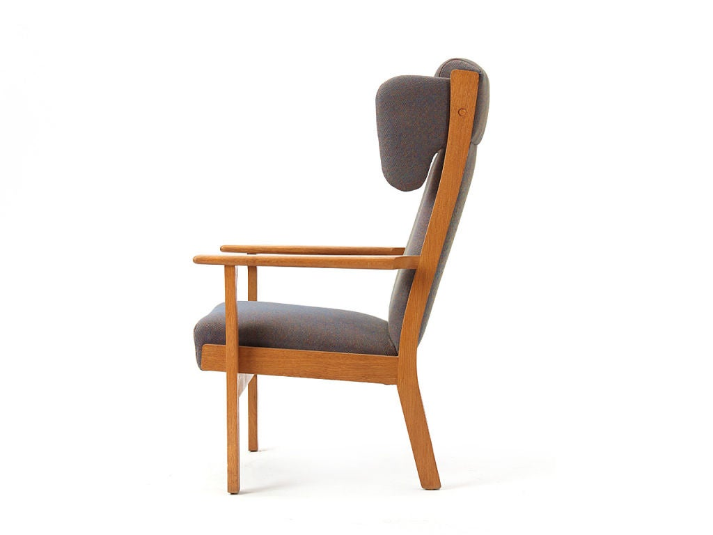 Wingback Armchair by Hans Wegner In Good Condition For Sale In New York, NY