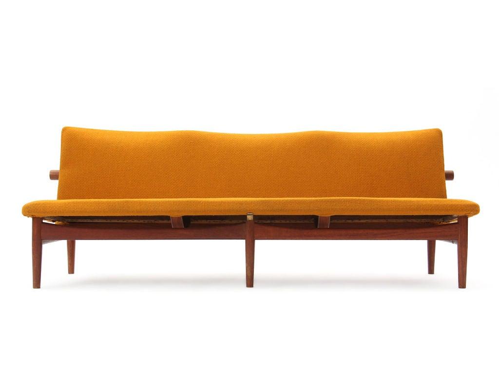 the japan sofa by finn juhl for sale at 1stdibs. Black Bedroom Furniture Sets. Home Design Ideas