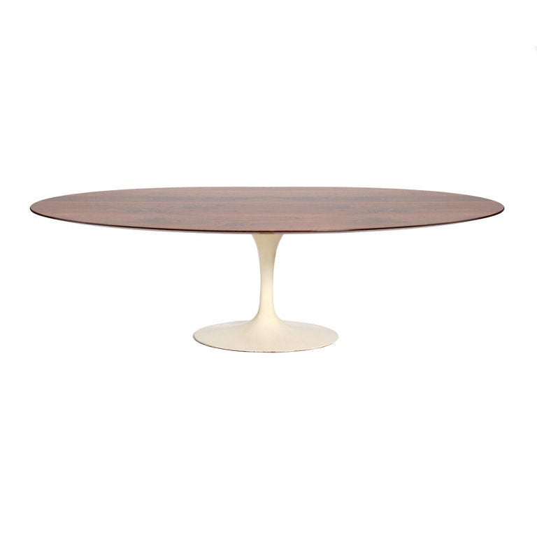 oval walnut dining table by eero saarinen for sale at 1stdibs. Black Bedroom Furniture Sets. Home Design Ideas