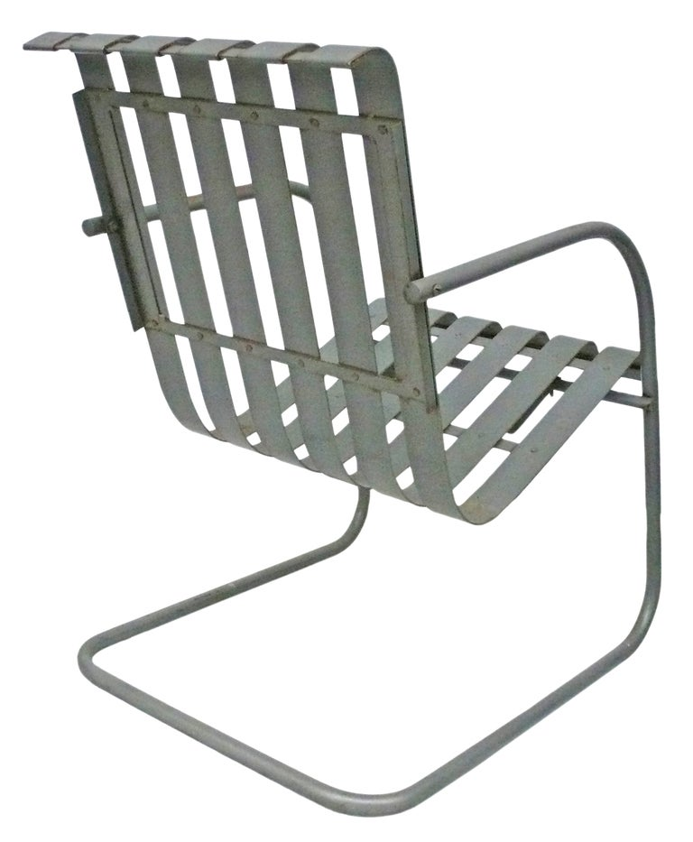 Pair of Metal Outdoor Lounge Chairs at 1stdibs