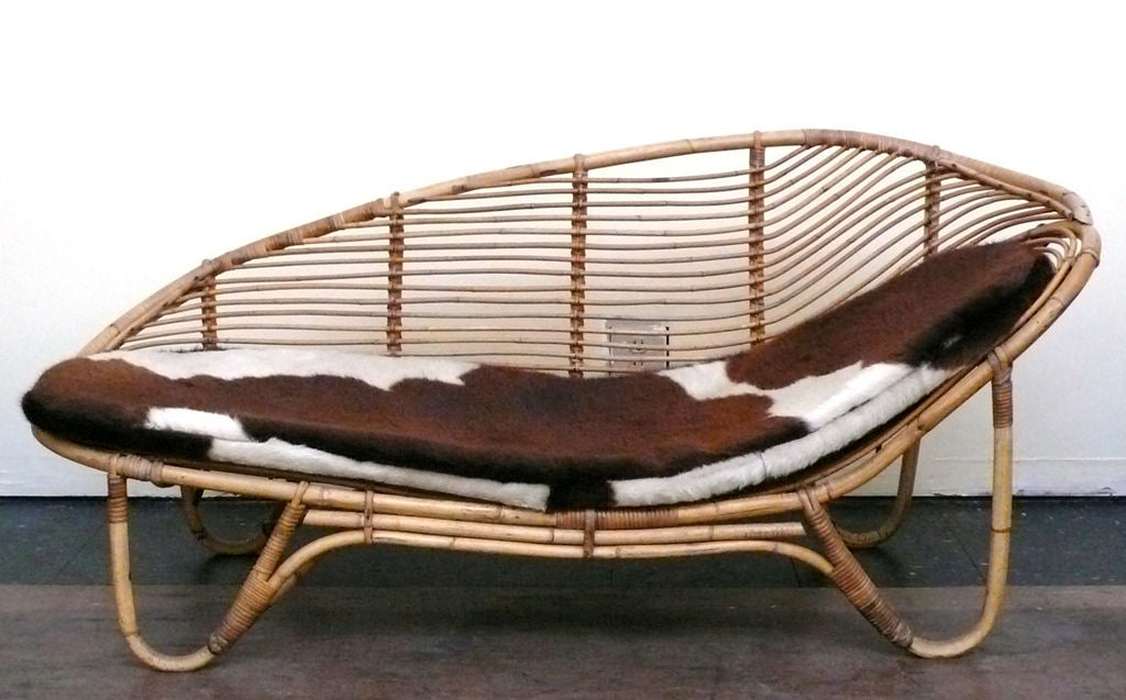 Rattan chaise lounge at 1stdibs for Chaise longue rattan sintetico