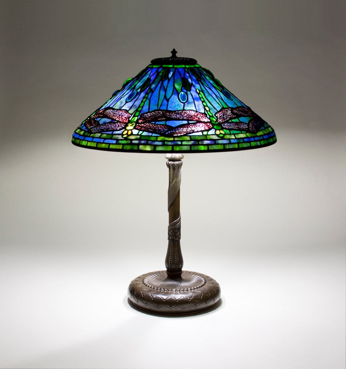 tiffany studios 39 dragonfly 39 table lamp for sale at 1stdibs. Black Bedroom Furniture Sets. Home Design Ideas