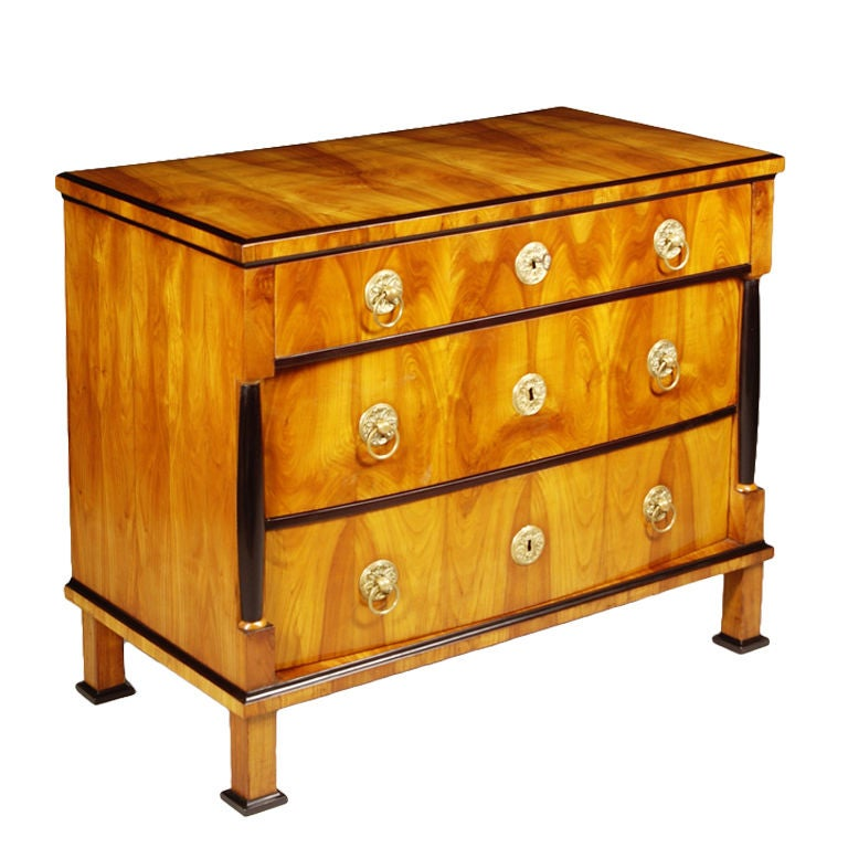 a petite biedermeier commode at 1stdibs. Black Bedroom Furniture Sets. Home Design Ideas