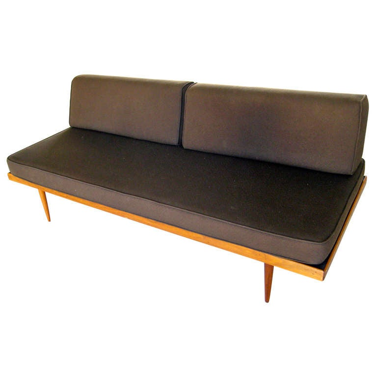 A 1950 39 S Teak Daybed Sofa In The Style Of Peter Hvidt