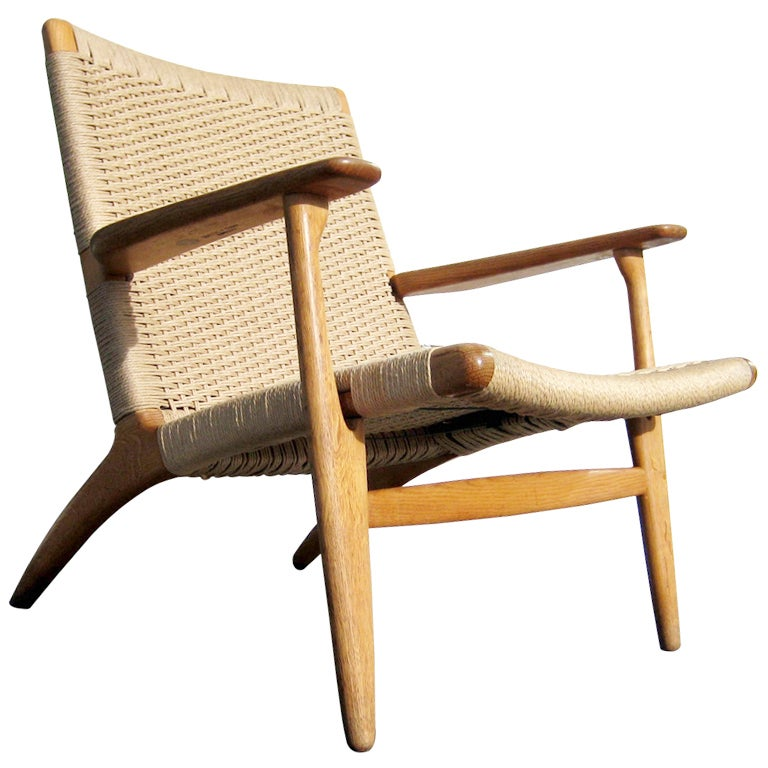 Hans wegner ch 25 lounge chair at 1stdibs for Arp arredamenti
