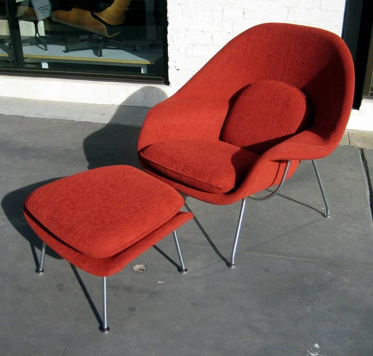 vintage eero saarinen womb chair and ottoman at 1stdibs