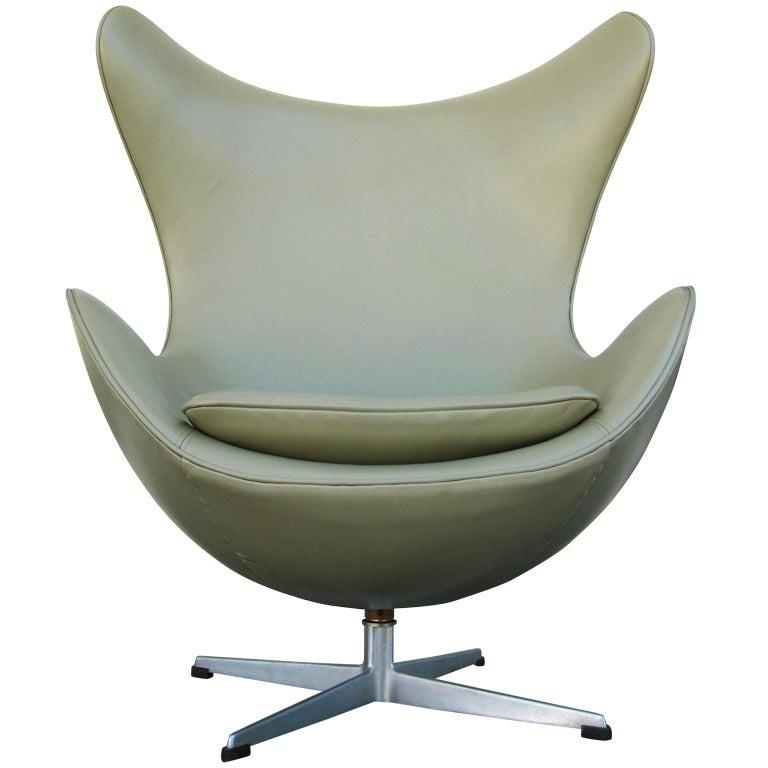 Vintage 1960's  Arne Jacobsen Egg Chair