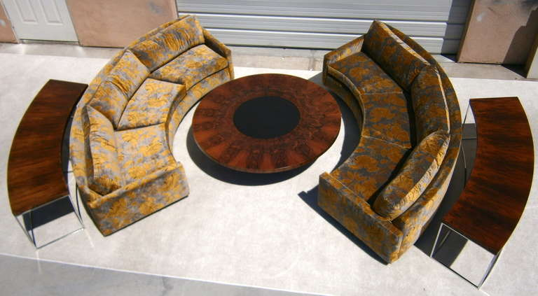 A Pair Of Curved Sofas Designed By Milo Baughman For Thayer Coggin. C. 1969 At 1stdibs