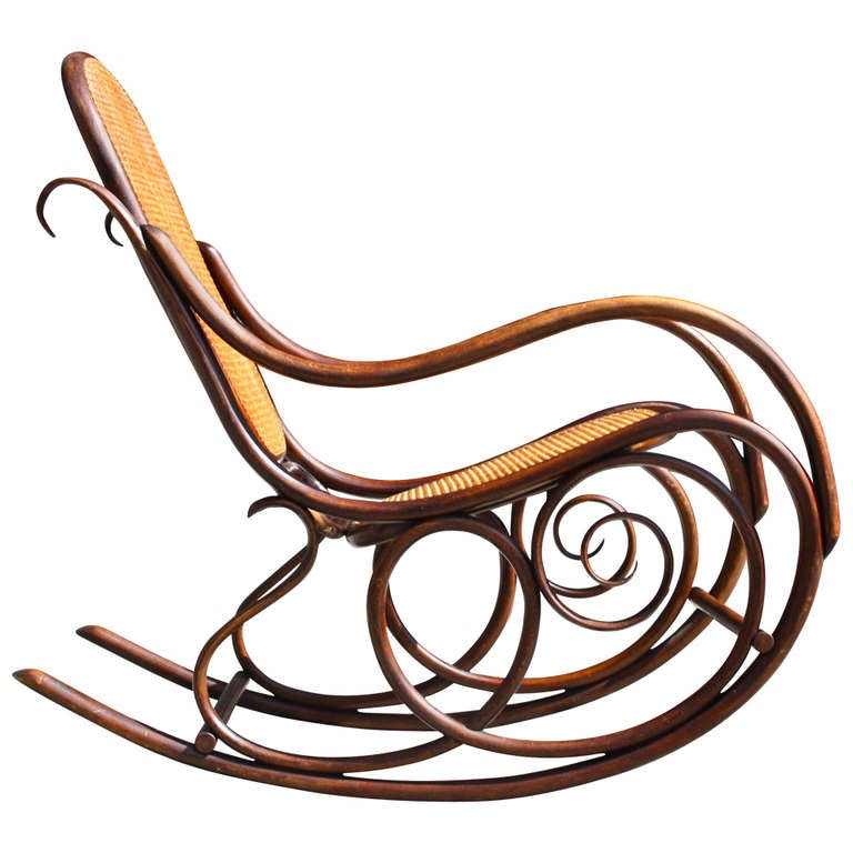 Exceptionnel Classic Thonet Rocking Chair For Sale