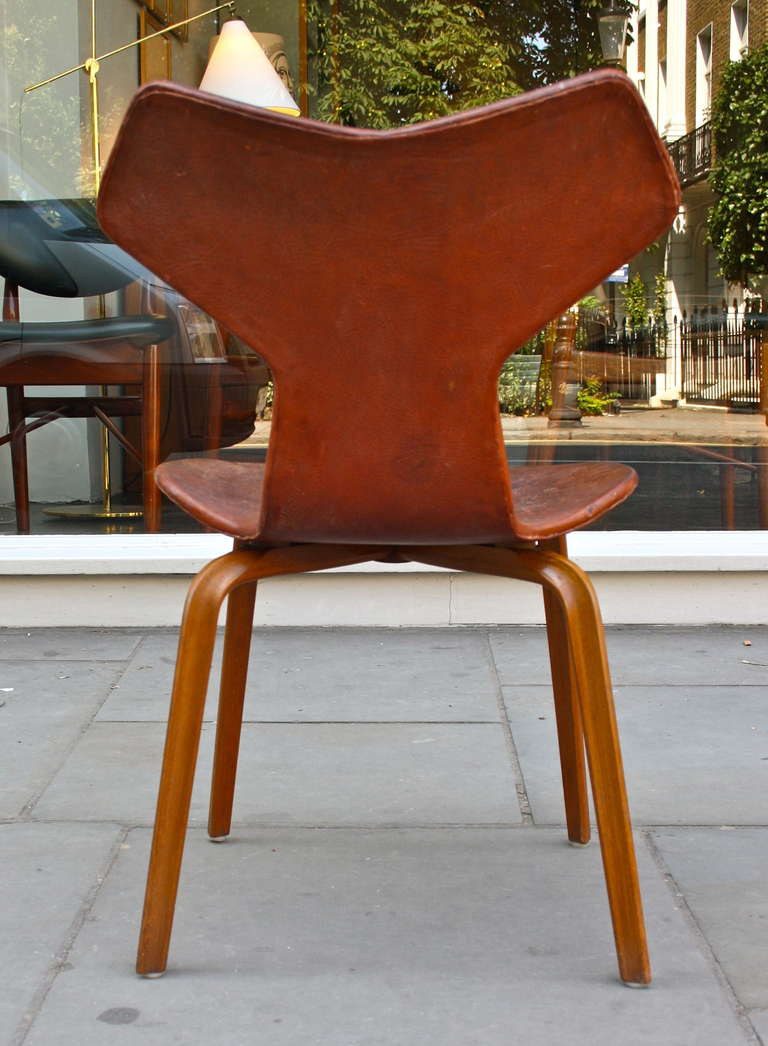 Arne jacobsen cognac leather grand prix chair at 1stdibs - Chaise grand prix jacobsen ...