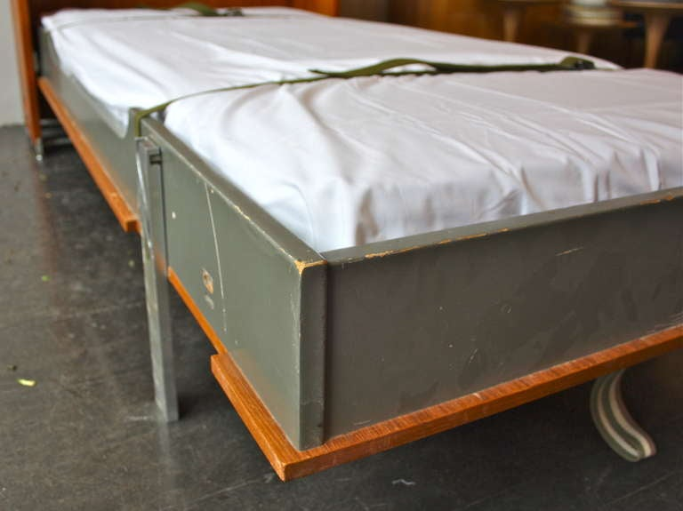 Hans Wegner RY 100 Fold Out Bed by Ry Møbler For Sale 3