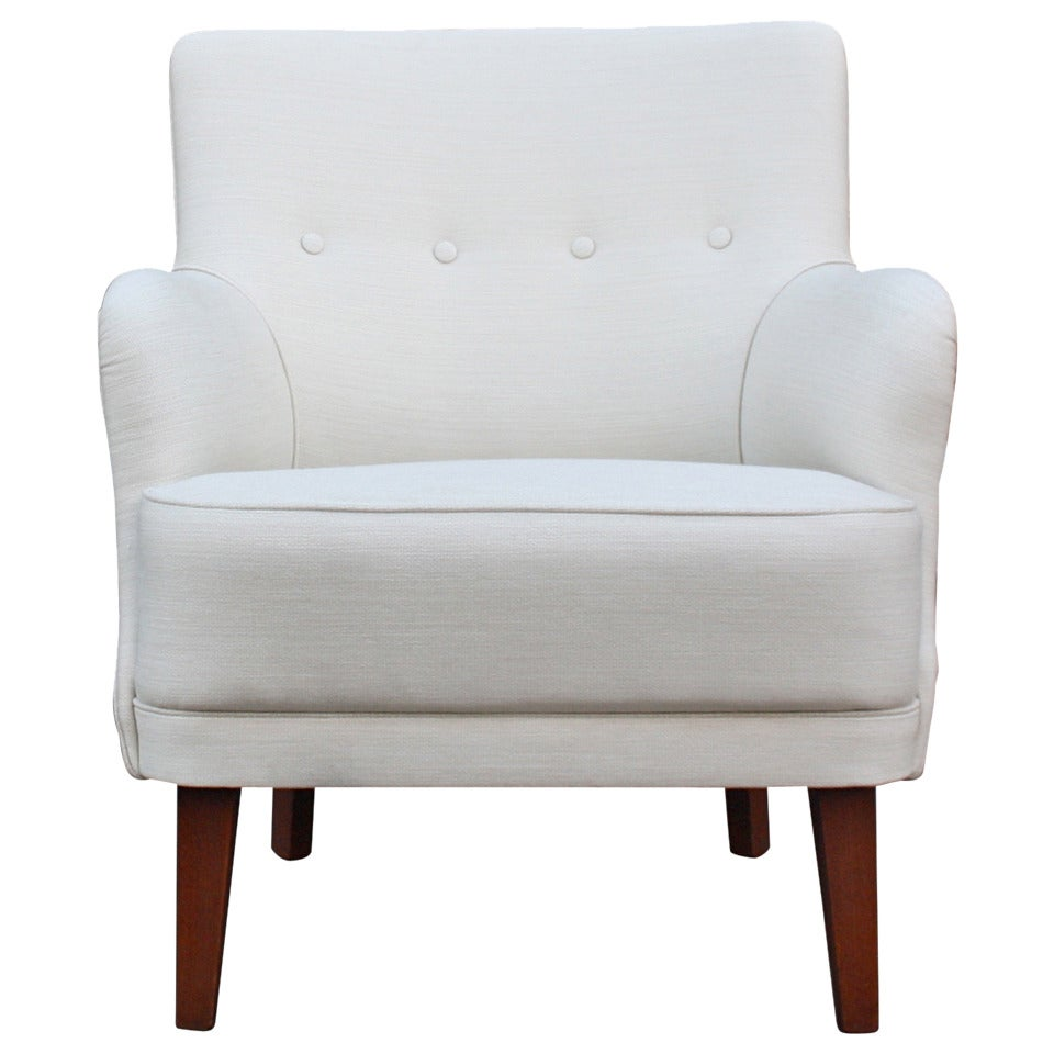 Small armchair 28 images elisa small armchair for Small white armchair