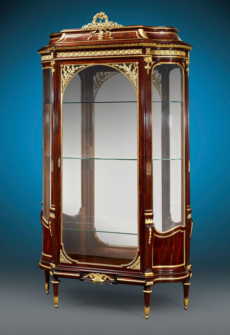 pair of rococo vitrines by fran ois linke for sale at 1stdibs. Black Bedroom Furniture Sets. Home Design Ideas