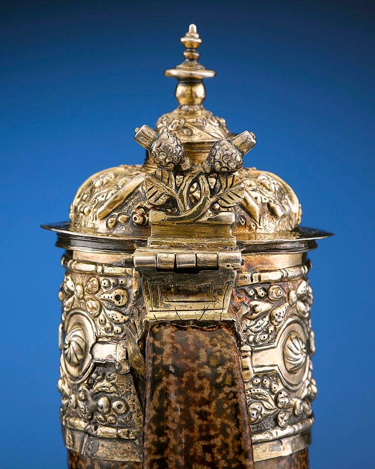 16th Century Elizabethan Tigerware Jug In Excellent Condition For Sale In New Orleans, LA